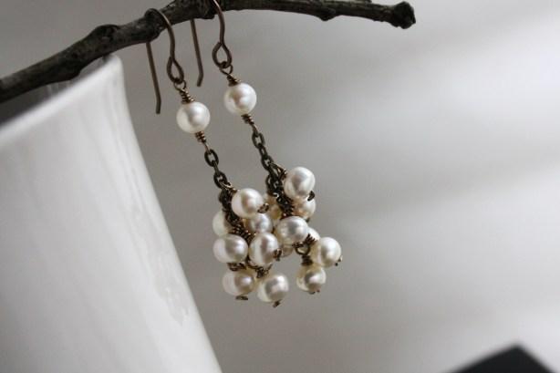 freshwater pearl cluster earrings on brass earwires chain  (3)