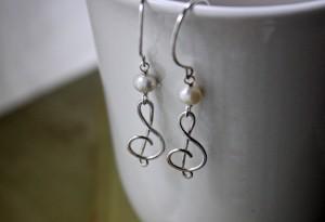 argentium silver treble clef earrings pearl earrings music jewelry
