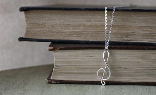 argentium silver treble clef necklace (5)